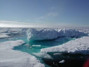 Eislandschaft in der Arktis (c) AWI
